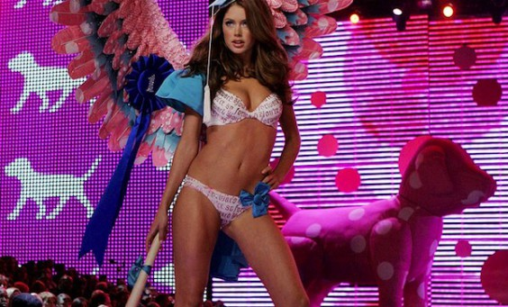 VICTORIAS-SECRET-FASHION-SHOW-2006